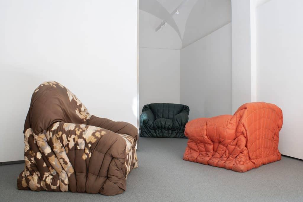 Gaetano_pesce_sit_down_chair